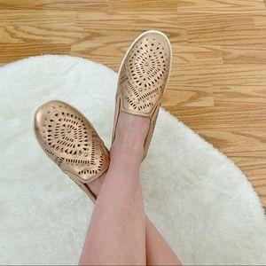 AVON Cushion Walk Memory Foam Rosegold Laser Shoes